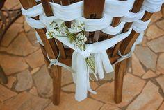 Decoração de cadeira de festa de casamento