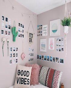 Awesome Minimalist Dorm Room Decor Inspirations on A Budget (room inspiration minimalist) Bedroom Pictures, Bedroom Images, Bedroom Pics, Bedroom Inspo, Girls Bedroom, Bedroom Designs, Bedroom Inspiration, Room Wall Decor, Bedroom Wall