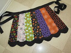 New Snap Shots halloween Sewing projects Suggestions Halloween apron Halloween Quilts, Halloween Fabric Crafts, Halloween Apron, Halloween Sewing Projects, Sewing Crafts, Halloween Pillows, Spooky Halloween, Halloween Kitchen, Fall Projects