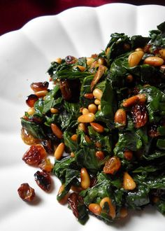 Catalan spinach, best way to enjoy spinach and healthy or kale or chard Tapas Recipes, Nut Recipes, Spinach Recipes, Cooking Recipes, Healthy Recipes, Spanish Spinach Recipe, Cheese Recipes, Shrimp Recipes, Cooking Ideas