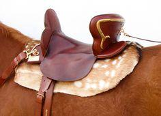medieval saddles | saddle-reconstructed-by-Riser.jpg