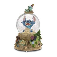 Disney Snow Globe Stitch Trog on The Beach Lilo Stitch, Lelo And Stitch, Cute Stitch, Disney Stitch, 626 Stitch, Disney Music Box, Paris Snow, Deco Disney, Disney Snowglobes