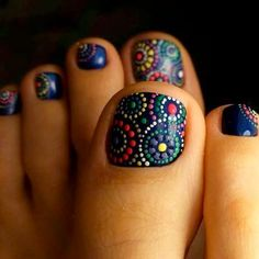 Keeping your toes freshly polished is a must for flip flop season! This is why we found 42 of the best polished toes for 2018. Hopefully these will inspire you to get your toes on point for the warmer months this year.