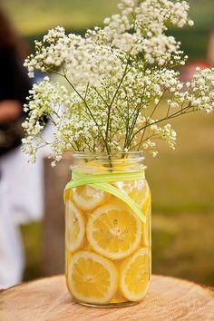 Citrus in Mason Jars with Babies Breath I Leslie Spurlock Photography I #WeddingCenterpiece
