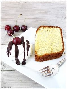 Excellent pound cake.  Cake flour sifted three times and heavy cream give it a smooth and light flavor not always found in pound cake.