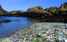 Na byłym wysypisku śmieci natura stworzyła ze szklanych odpadów takie cudo