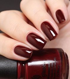 'Wine Down For What?' it's almost Friday!  image via @vellinails