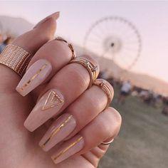 Pin on Nageldesign - Nail Art - Nagellack - Nail Polish - Nailart - Nails Blush Nails, Nude Nails, Coffin Nails, Pink Sparkle Nails, Pale Pink Nails, Cute Acrylic Nails, Acrylic Nail Designs, Stripe Nail Designs, Long Nails