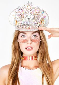 Free, fast shipping on Unicorn Captain Hat at Dolls Kill, an online boutique for burner clothing, LED clothing, playa shoes & accessories. Unicorn Hat, Unicorn Outfit, Outfits With Hats, Rave Outfits, Festival Costumes, Festival Hats, Festival Outfits, Festival Gear, Concert Outfits