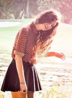 This is how I want to dress everyday. Cute blouse and skirt. Cute and…