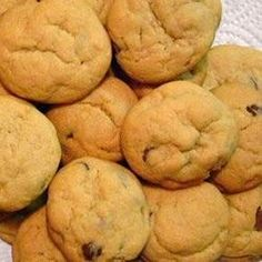 Cinnamon and vanilla add a spicy nip to these delicious chocolate chip drop cookies.