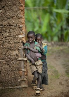 Africa | Pygmy Batwa tribe kids -  Cyamudongo, Rwanda | ©  Eric Lafforgue, via Flickr