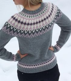 Fair Isle Knitting Patterns, Crochet Poncho Patterns, Mittens Pattern, Sweater Knitting Patterns, Knitting Designs, Knitting Socks, Norwegian Knitting, Icelandic Sweaters, Knitwear