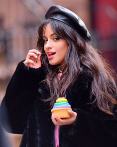 Camila Cabello filming a commercial in NYC Polo Shirt Women, Polo Shirts, Camila And Lauren, Fifth Harmony, Famous Women, Famous People, Woman Crush, Shawn Mendes, Me As A Girlfriend