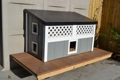 Feral cat house, stray cat, The Patricia H. Ladew Foundation, Cats, Cute Cats, pretty kitties, pet photography, cat photography, calendar, cat collage, cat shelter