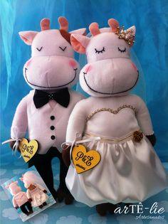 """Casal """"Boi e Vaquinha"""", cofre para casamento #casamento #vaquinha #boi #cofre #wedding #cow"""