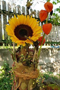 herbstdeko mit rinde sonnenblume in einer blechdose selber basteln diy anleitung fur eine naturliche