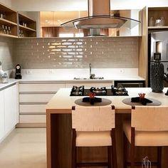 Liverpool concreto aparente como o centro das atenções nessa cozinha linda! #porobelloshop #casasportobello #portobellolovers #cozinha #kitchen #arquitetura #design