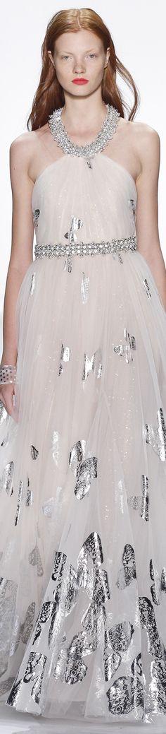 Badgley Mischka Spring 2016 Ready-to-Wear Fashion Show Runway Fashion, Fashion Models, Fashion 2016, Fashion Trends, Trendy Fashion, Christian Dior, Alexander Mcqueen, Glamour, Badgley Mischka