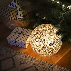 Four days until Christmas! Still looking for a last minute present? Our globe lamps are beautiful, practical and versatile. Find them at an independent retailer near you Globe Lamps, Days Until Christmas, Accent Lighting, Bedside Lamp, Golden Globes, Christmas Tree Decorations, Floor Lamp, Bulb, Presents