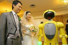 A robot has acted as master of ceremonies at a South Korean wedding in what its creators claim is a world first. Geek Wedding, Quirky Wedding, Crazy Wedding, Unique Weddings, Wedding Ideas, Surgical Robots, Robot Picture, Types Of Robots, Military Robot