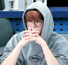 Jung Yoon, Aesthetic People, Valentines For Boys, Jung Jaehyun, Jaehyun Nct, Korean Music, Funny People, Boyfriend Material, Beautiful Boys