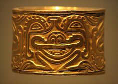 Museo del Oro, Bogotá- Colombia Ancient Artefacts, Ancient Civilizations, Colombian Art, South American Art, Hispanic Culture, Chunky Jewelry, Indigenous Art, Ancient Jewelry, Art And Architecture