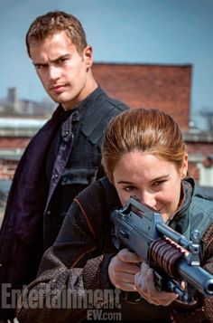 Divergent: Shailene Woodley and Theo James