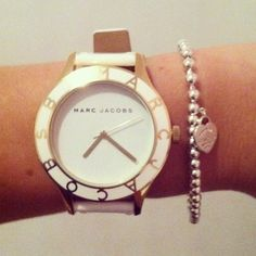 Marc Jacobs watch - crisp, clean, white faced gold platted partnered with a tiffany tennis bracelet. Jewelry Box, Jewelery, Hand Jewelry, Jewelry Accessories, Fashion Accessories, Marc Jacobs Watch, Vogue, Classic Chic, Look Fashion