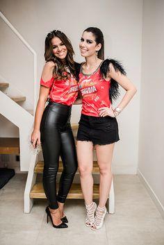 Abadá customizado de Camila Coutinho e Bruna Marquezine para o Carnaval! Mais dicas para customizar e D.I.Y.: goo.gl/6ssZ5X