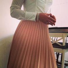 Pleated zara skirt dress for succes