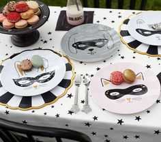 Add a pop of fun to meal time with our newest Emily & Meritt plates