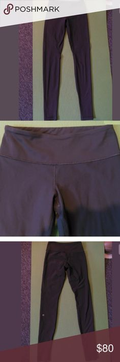 Lululemon Brown WunderUnder Full Length Leggings 4 Excellent condition! Color is brown, also reversible. Love these because it's like having two different pairs of pants! No holes, stains, or odors. See all my Lululemon listings. I now offer 26% off bundles of two or more items! 😃 lululemon athletica Pants Leggings