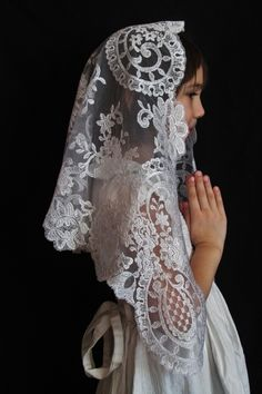 Authentic Spanish Medallion Mantillas - Veils by Lily $39 Approximately 46 inches across by 21-23 inches front to back