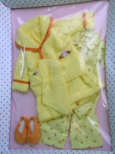 Effanbee Nighty Night Sleep Tight Patsy Doll Outfit Only 2014 has been listed at http://www.dkkdolls.com/store as Item FBP0073. This is a Tonner design and fits 10 inch Tonner and Effanbee child dolls.
