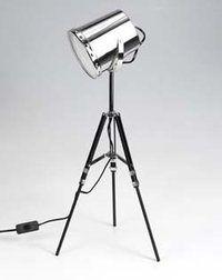 tripod lamp 46€