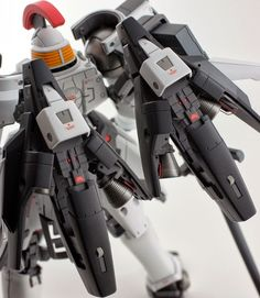 MG Tallgeese Modeled by matmat Gundam Tutorial, Gundam Custom Build, Gundam Wing, Gunpla Custom, New Mobile, Gundam Model, Mobile Suit, Plastic Models, Samurai