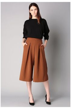 Casual Work Outfits, Office Outfits, Work Casual, Square Pants Outfit Casual, Formal Outfits, Dress Formal, Fashion Moda, Work Fashion, Fashion Outfits