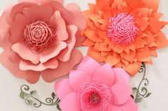 Paper Flower Backdrop Giant Paper Flowers Wedding by APaperEvent                                                                                                                                                                                 Mais