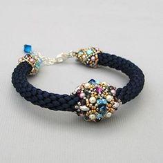 """Браслет """"Жасмин и можжевельник""""   -   Bracelet """"Jasmine and juniper"""""""