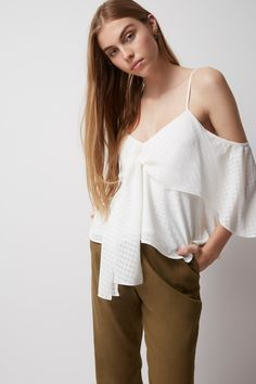 THE FIFTH ANYTIME ANYWHERE TOP ivory
