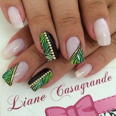 Instagram media by lianecds - Luana #nails #unhasdecoradas #tachinha #zebrado