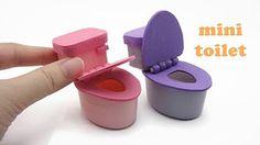 DIY Miniature Doll Mini Toilet Bathroom - With working cover! DIY Miniature Doll Mini Toilet B Miniature Crafts, Miniature Houses, Miniature Dolls, Doll House Crafts, Doll Crafts, Doll Houses, Diy Doll House, Diy Barbie Furniture, Diy Dollhouse Furniture Easy