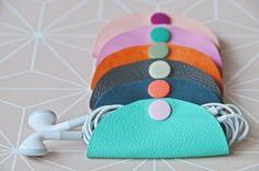 DIY Tutorial   Leder-Kabeltäschchen aka Cable-Clutch selbermachen- die hübsche Geschenkidee gegen Kabelsalat   luzia pimpinella