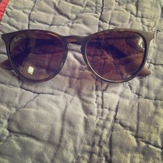Ray-Ban sunglasses Authentic Ray Ban sunglasses with metal arms and plastic frames. Tortoise color with brown gradient lenses. Very tiny little scratches on the center from laying them face down - you would never know they were there, but I mention it so there is no confusion when they come :) Comes with case and cleaning cloth. Please make an offer if you're interested! Thanks so much! Ray-Ban Accessories Sunglasses