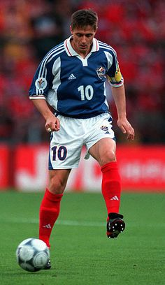 8df34f9580492 Dragan Stojkovic Yugoslavia Pictures and Photos | 世界で人気のサッカー選手, 欧州選手権