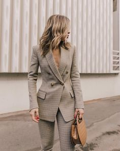 Flawless Summer Outfits Ideas For Slim Women That Looks Cool - Oscilling Business Outfit Frau, Business Attire, Business Fashion, Business Suits For Women, Formal Suits For Women, Stylish Womens Suits, Business Formal Women, Business Outfits Women, Suits Women