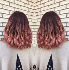 Curls are so cute with rose gold hairstyles! #WomenHairColorRoseGold