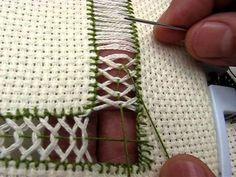 Esta vez usé tela Aída hilo número Deshile cm e hice las vainicas. Hardanger Embroidery, Embroidery Applique, Cross Stitch Embroidery, Embroidery Patterns, Machine Embroidery, Embroidery Techniques, Sewing Techniques, Hem Stitch, Swedish Weaving