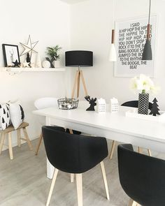 Light it up! Room lighting plays a big role in the interior design: S . - The Home Decor Trends Interior Exterior, Interior Design, Dining Table Lighting, Indirect Lighting, Christmas Decorations Online, Room Lights, Home Decor Trends, Apartment Design, Kitchen Flooring